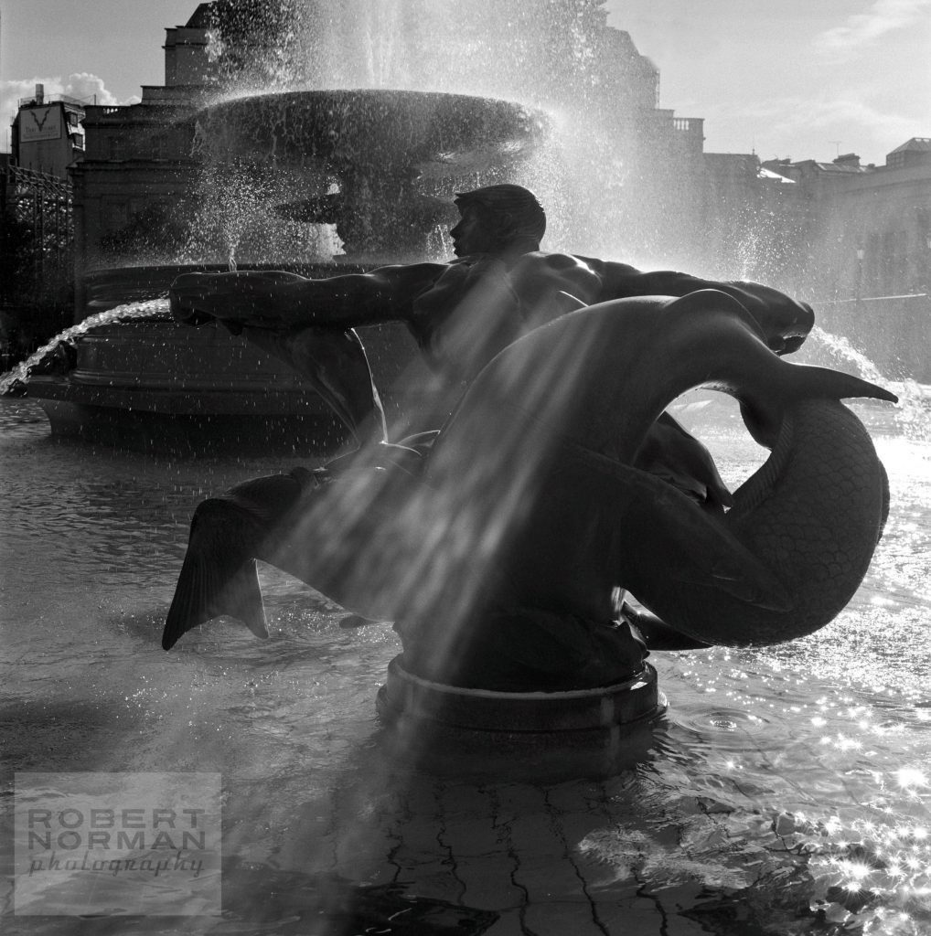 Trafalgar-Square-fountain