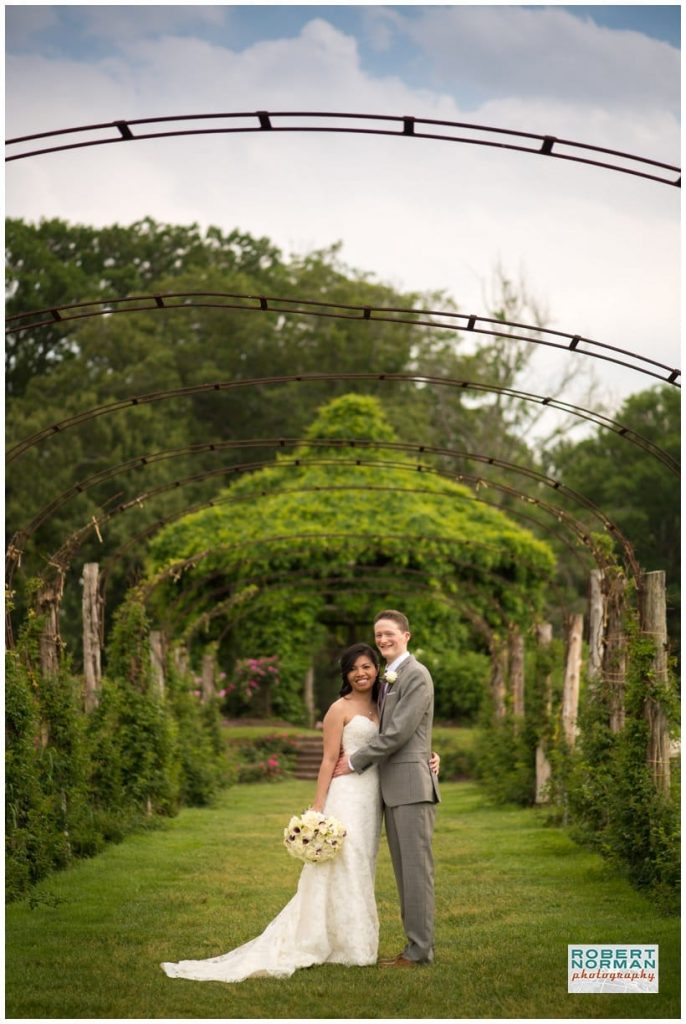 Pond-House-wedding-elizabeth-park-hartford-ct-Connecticut-weddin